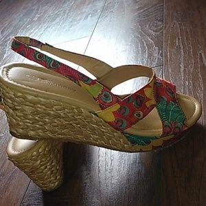 Chinese Laundry Dream Again Floral wedges sz 10